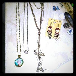 Bundle of Jewelries
